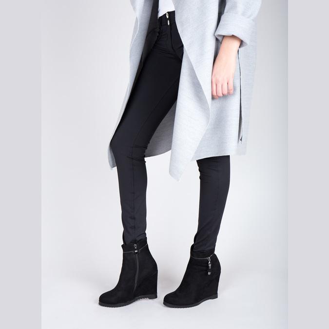 Dámska členková obuv na klínovom podpätku bata, čierna, 799-6631 - 15