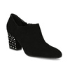 Dámska kožená členková obuv s cvočkami bata, čierna, 723-6661 - 13