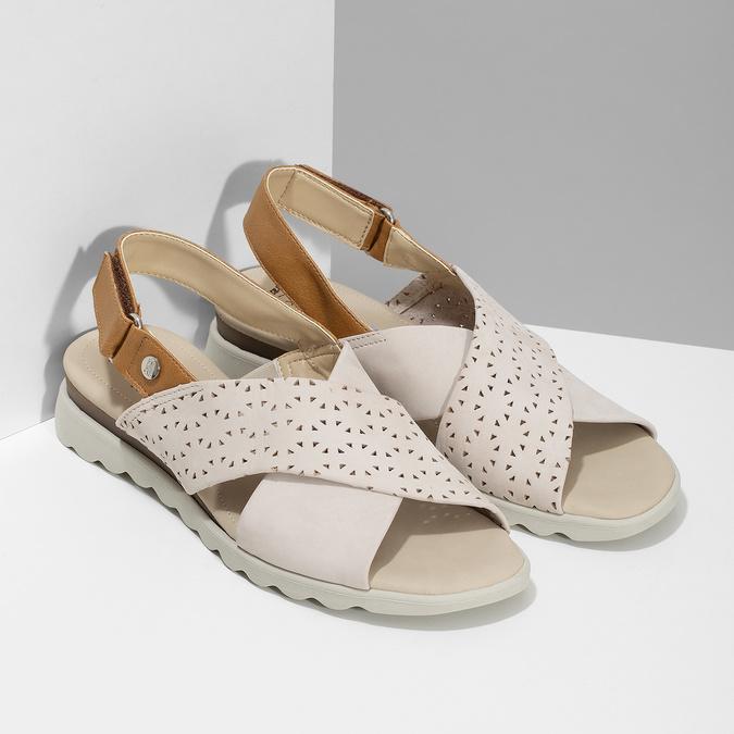 Béžové dámske kožené sandále s perforáciou comfit, béžová, 566-8610 - 26